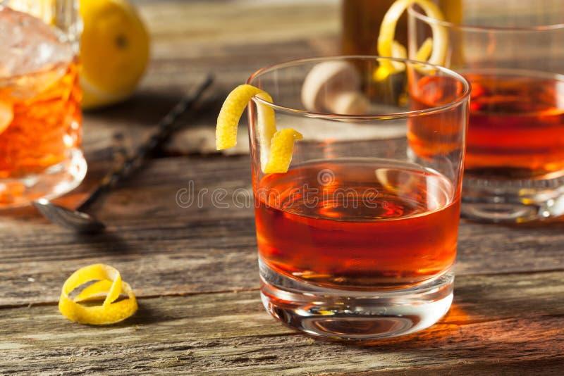 Cocktail fait maison de la Nouvelle-Orléans Sazerac images libres de droits