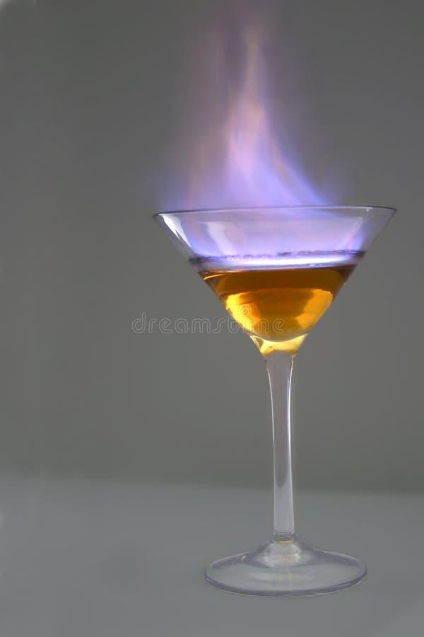 Cocktail flamejante fotografia de stock royalty free