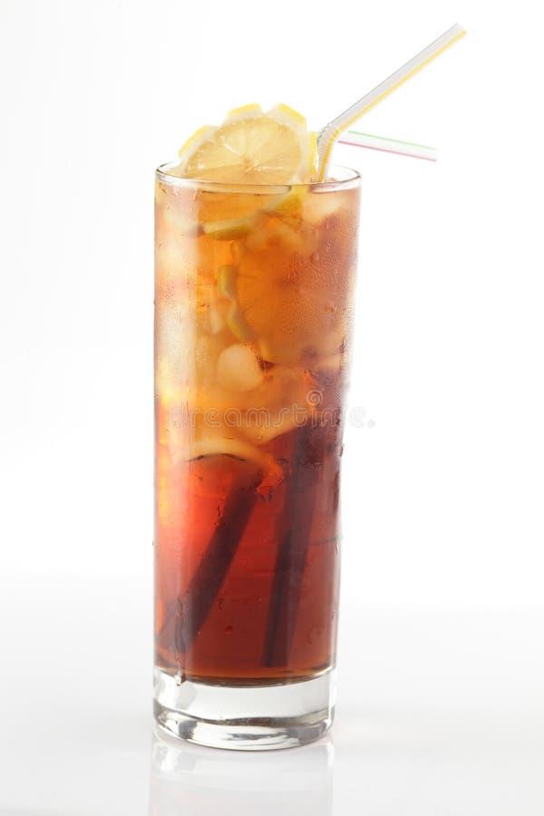 Cocktail frais sur un fond blanc photos libres de droits