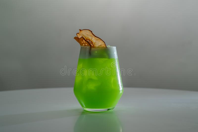 Cocktail in glas stock afbeelding