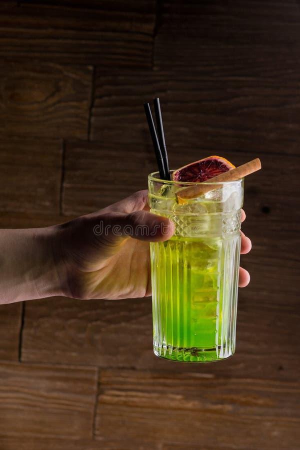 Cocktail luminoso immagine stock