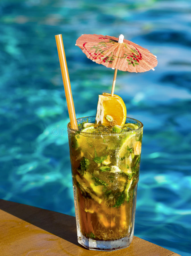 Cocktail Mahito Pool Stock Image Image Of Relaxation 34230769