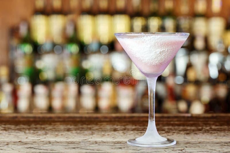 Cocktail mit Malibu-Alkohol stockbilder