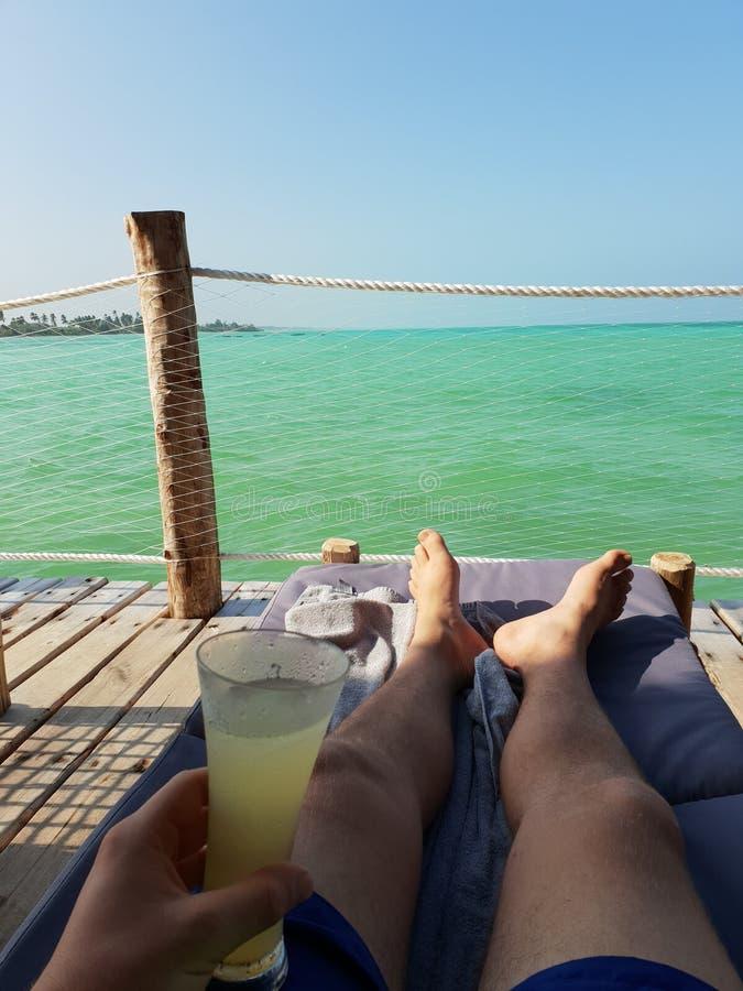 Cocktail op het strand royalty-vrije stock foto