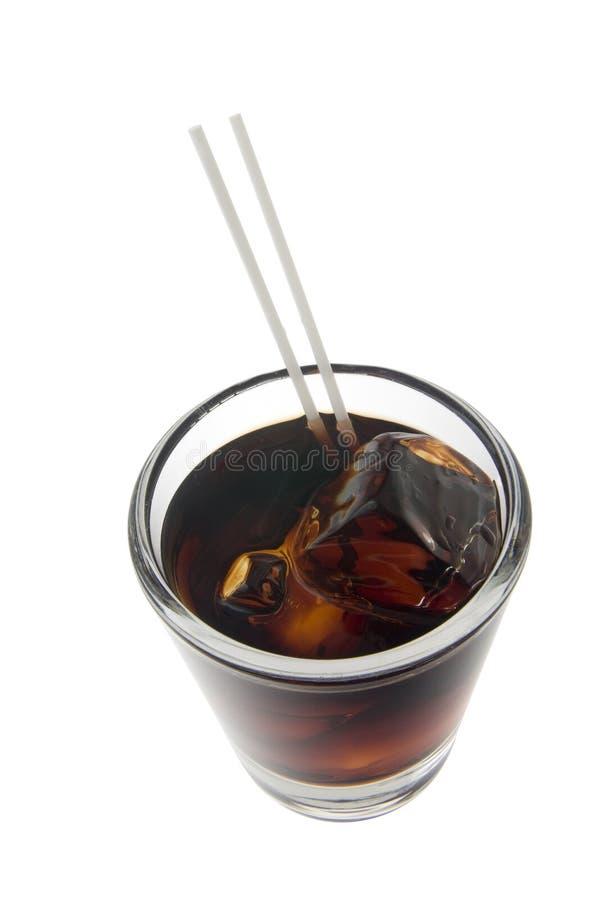 Cocktail preto do russo em um fundo branco foto de stock