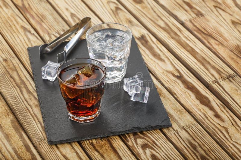 Cocktail, rum, vodca, tequila, gim, barra, partido imagens de stock