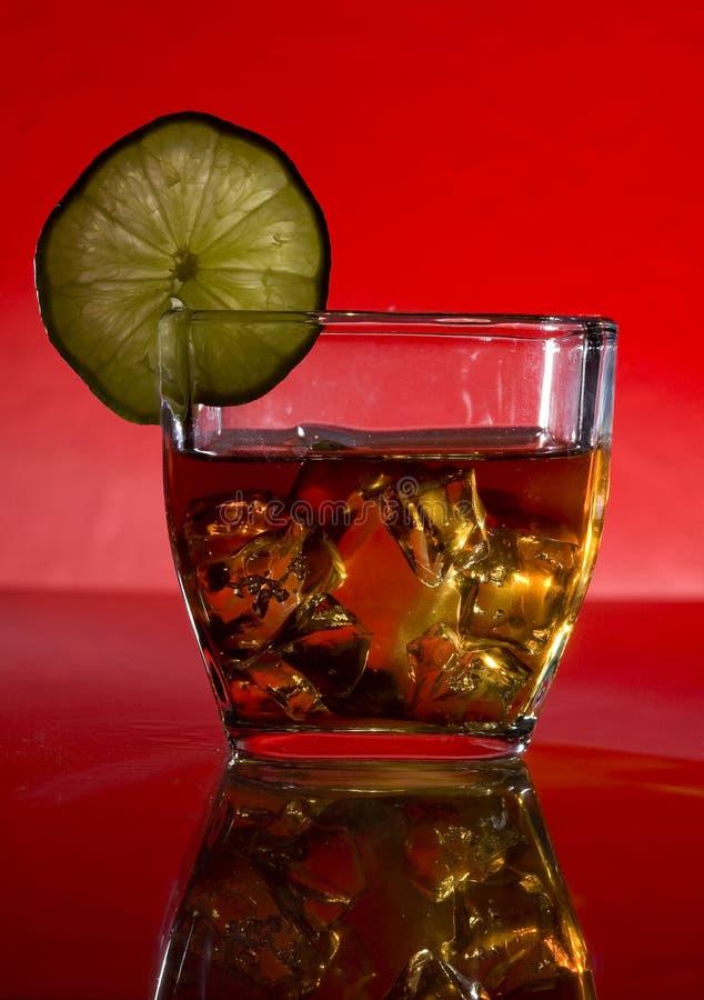 Cocktail und Kalk stockfoto