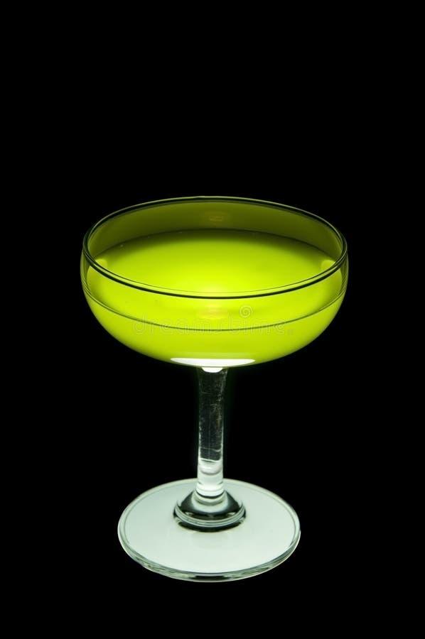 Cocktail verde no vidro fotografia de stock royalty free