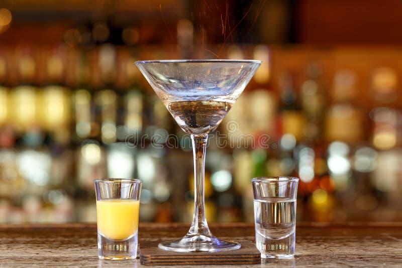 Cocktailcocos loÑ  O lizenzfreie stockfotografie