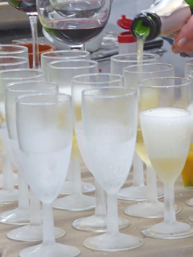 Cocktailparty med fingerfoods royaltyfri fotografi