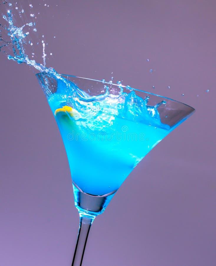 Cocktails blauwe plons royalty-vrije stock afbeelding