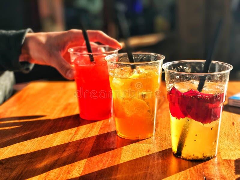 Cocktails de ressort photos stock