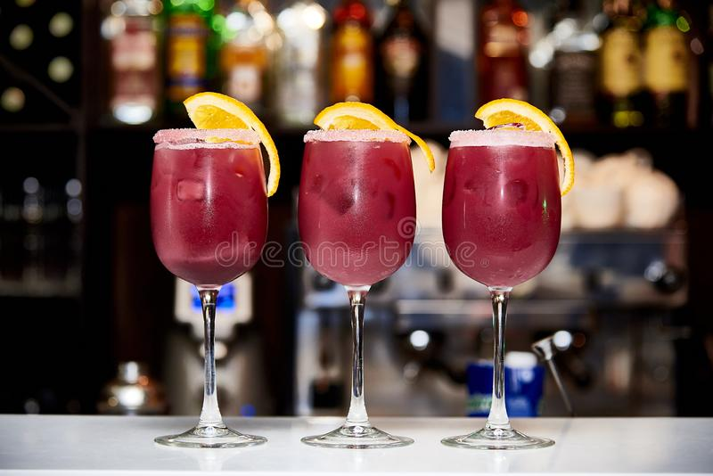 Cocktails rouges frais photographie stock