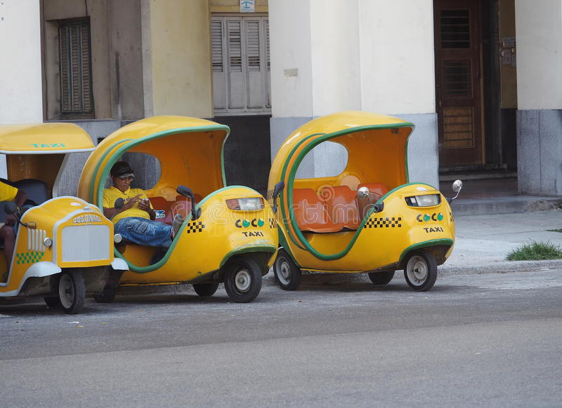 Coco taxi W Hawańskim Kuba fotografia royalty free