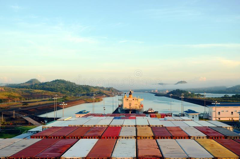 Cocoli l?slandskap, Panama kanal royaltyfri bild