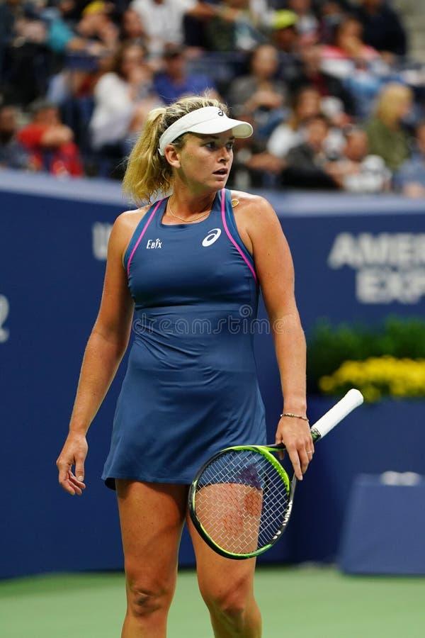 Cocos 2018 de champion des doubles des femmes d'US Open Vandeweghe des Etats-Unis dans l'action pendant son match final images libres de droits