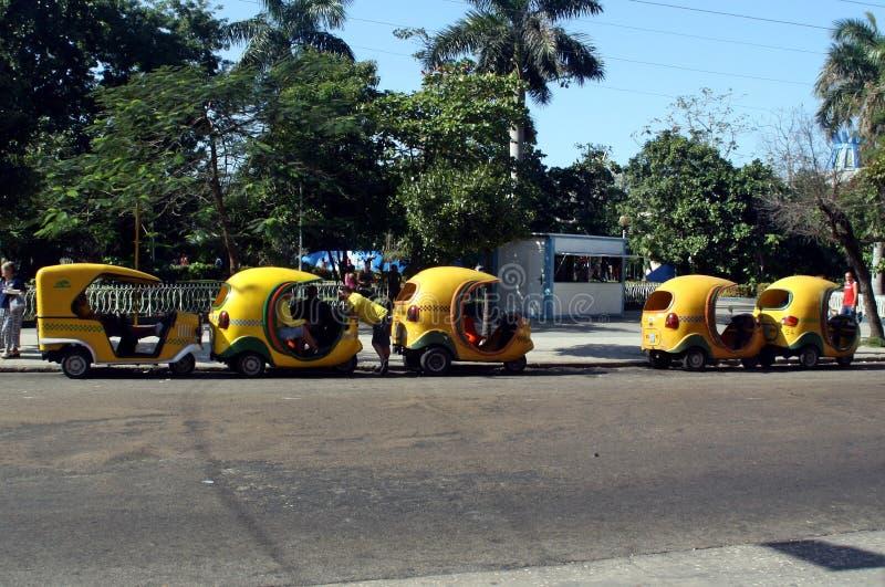 Cocotaxi i huvudstaden av Kuban arkivbilder