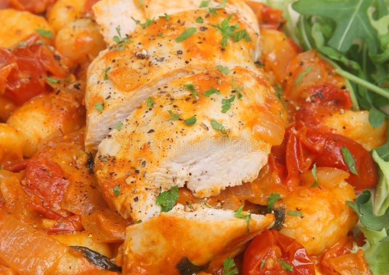 Cocotte en terre de poulet italienne photo libre de droits