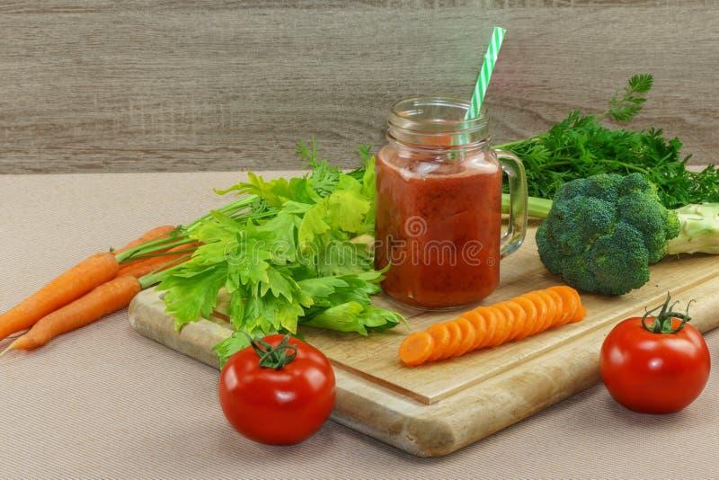 Coctail för ny grönsak royaltyfri bild