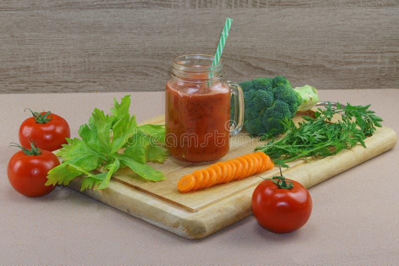 Coctail för ny grönsak royaltyfri fotografi
