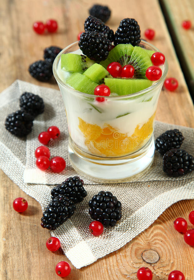 Coctail med berryes arkivfoton