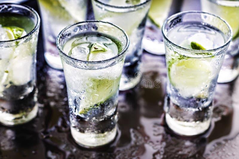 _ coctail Vodka gin, tequila, lyx, beröm, parti arkivbilder