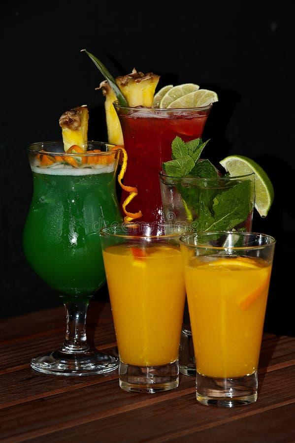 Download Coctailar arkivfoto. Bild av frukt, vodka, kallt, frukt - 27284318