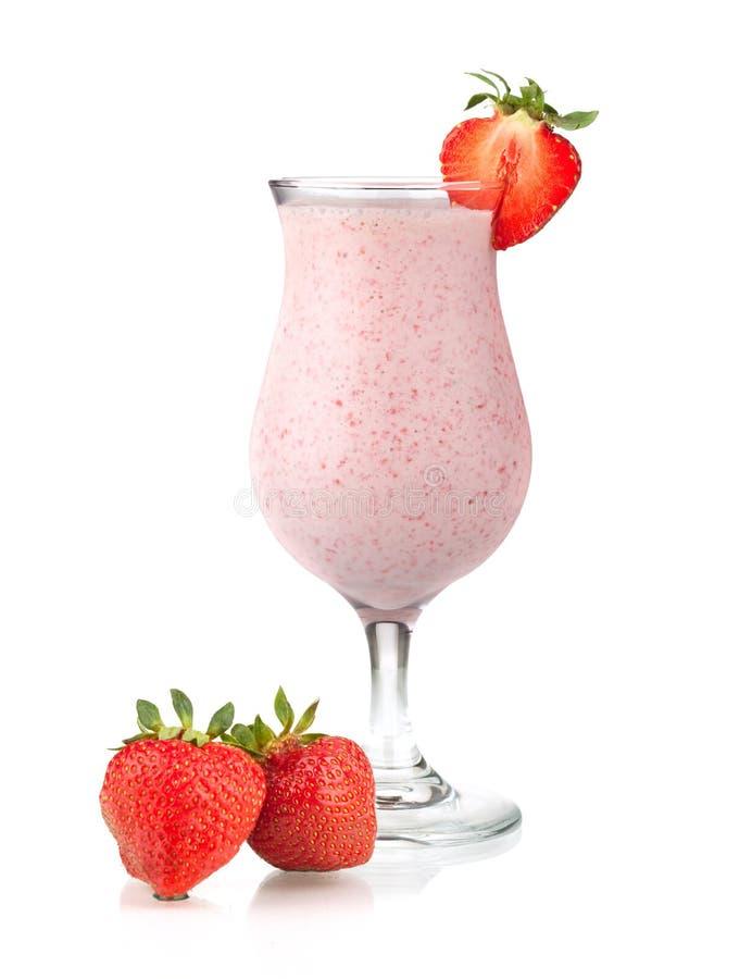 coctailen mjölkar jordgubben arkivfoton