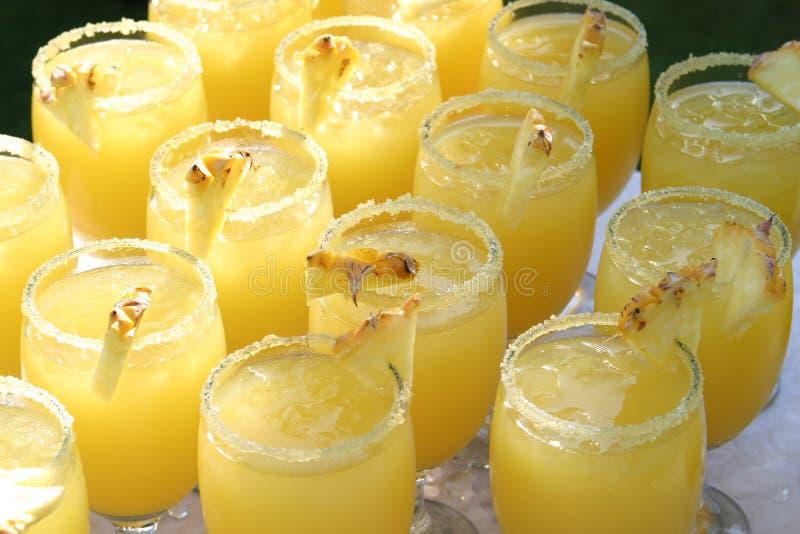 Coctails do abacaxi foto de stock