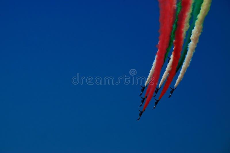 Coda italiana della bandiera di Frecce Tricolori fotografie stock libere da diritti