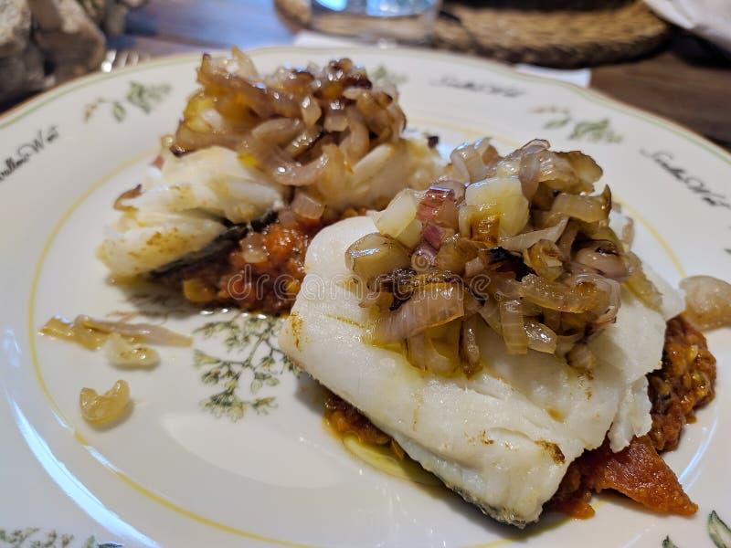 Codfish z szalotkami zdjęcia royalty free
