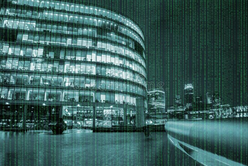 Codice della matrice sopra gli scyscrapers a Londra fotografia stock libera da diritti