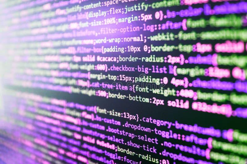 Codificación de las TIC en la pantalla de monitor imagenes de archivo