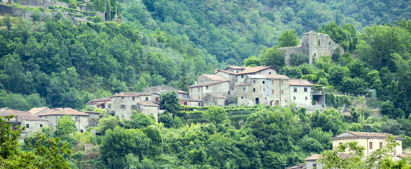 Codiponte, vecchio villaggio in Toscana fotografie stock libere da diritti