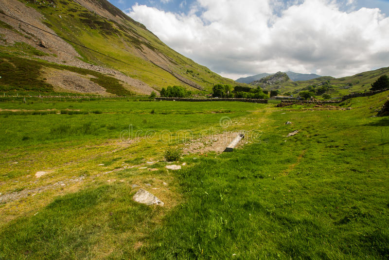 Coed Drws y ледниковая долина в Snowdonia стоковая фотография rf