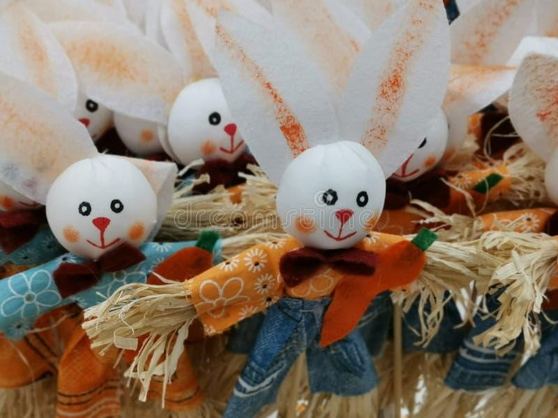 Coelhinho da Páscoa decorativo - feito a mão fotos de stock