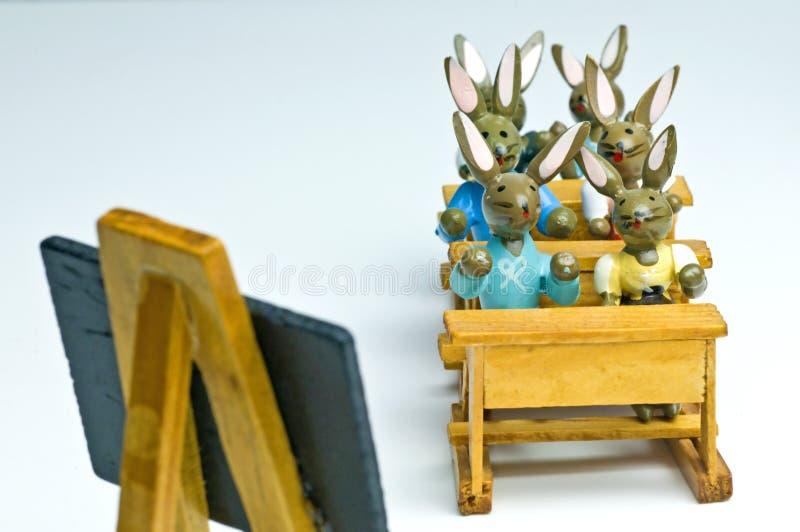 Coelhinhos da Páscoa na escola fotografia de stock royalty free