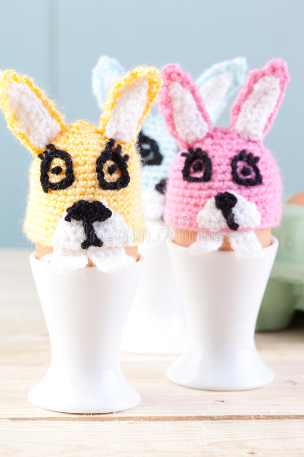 Coelhos do Crochet imagem de stock royalty free