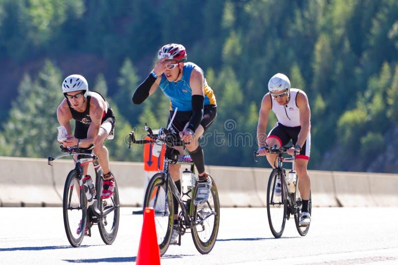 Coeur d Alene Ironman som cyklar händelse royaltyfri bild