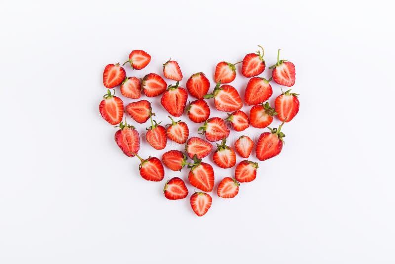 Download Coeur de fraises image stock. Image du juteux, fond, copie - 77150215