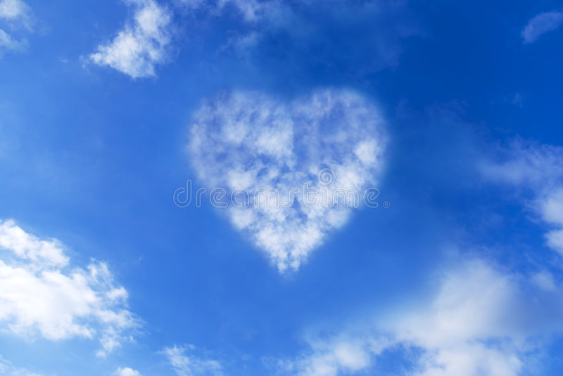 Coeur de nuage photo stock