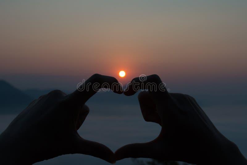 Coeur de silhouette photographie stock libre de droits