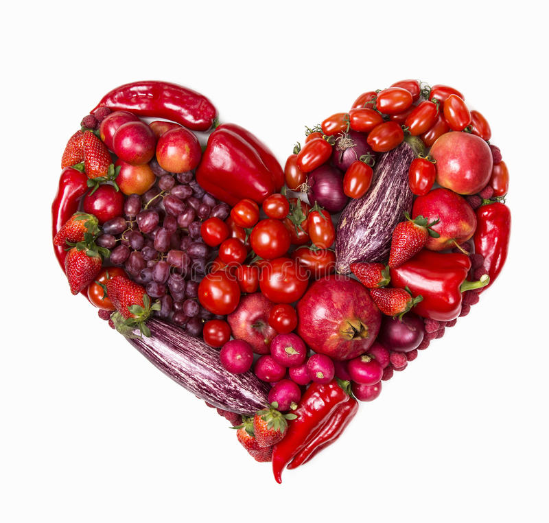 Coeur des fruits et légumes rouges image stock