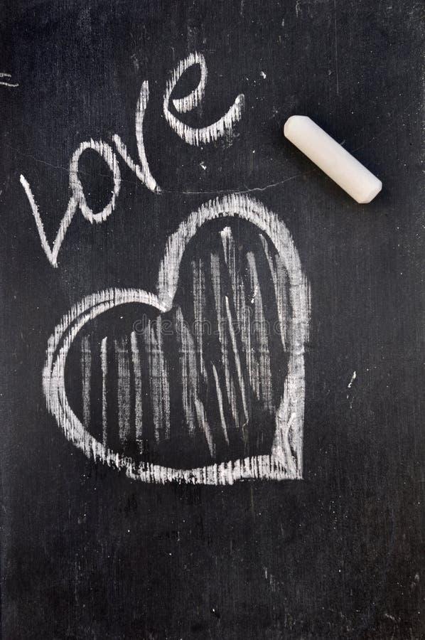 Coeur dessiné dans la craie photo libre de droits