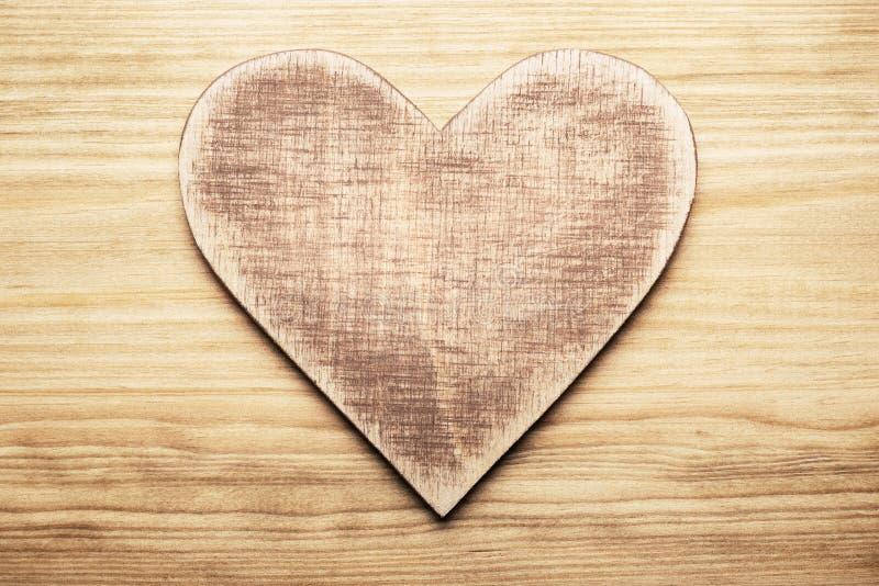 Download Coeur en bois photo stock. Image du rétro, amour, rouillé - 56485724