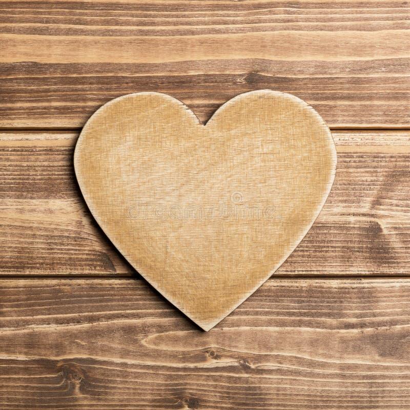 Download Coeur en bois image stock. Image du étage, plaqué, symbole - 56485855