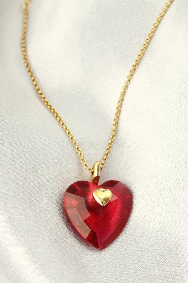 Coeur en cristal rouge photo stock image du d coration - Decoration coeur rouge ...