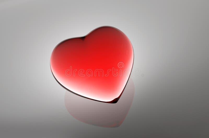 Coeur en verre rouge en tant qu'illustration du fond médical 3d illustration de vecteur