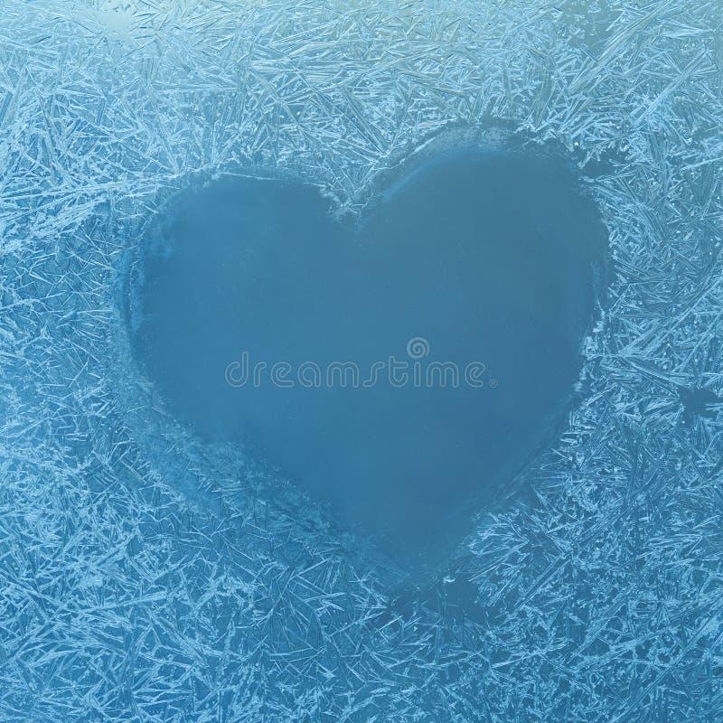 Coeur gelé Conception gelée de glace Glacez les fleurs Rose rouge Fenêtre d'hiver de gel de fenêtre Hublot figé Craquelure images stock