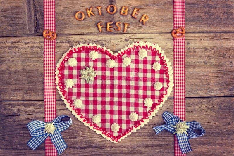Coeur oktoberfest rouge images libres de droits